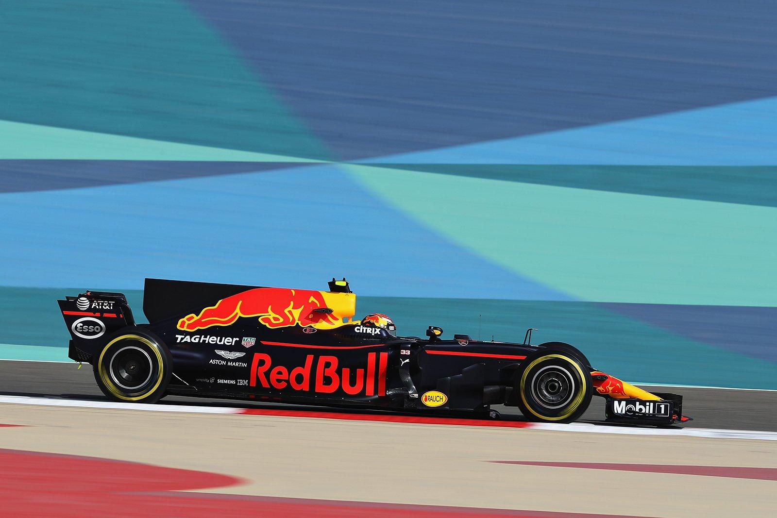 Макс Ферстаппен быстрейший в субботней практике гран-при Бахрейна