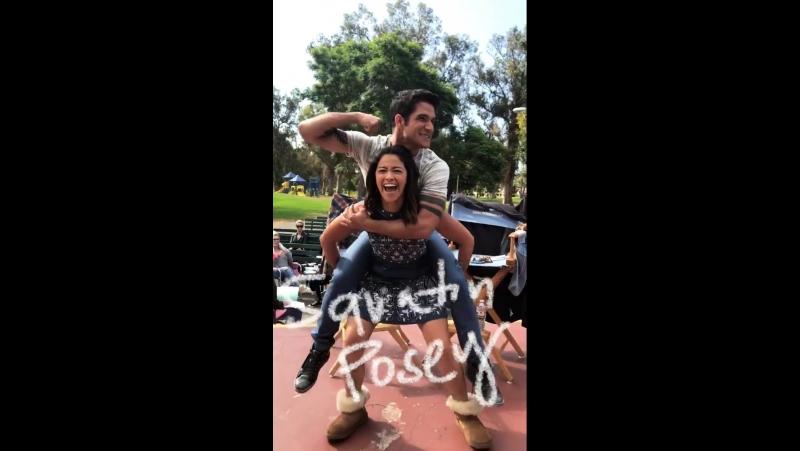 Тайлер Пози и Джина Родригез на съемках 4-го сезона сериала <<Девственница Джейн>>