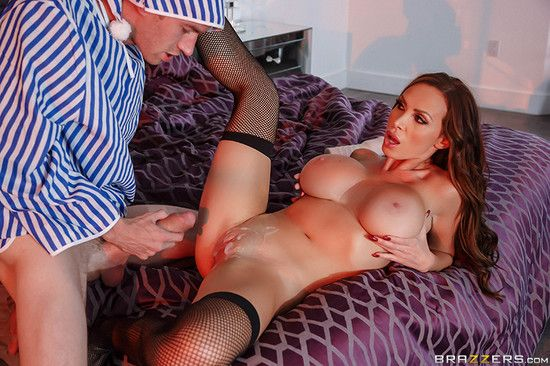 PornstarsLikeItBig – Nikki Benz – Toying With A Pornstar