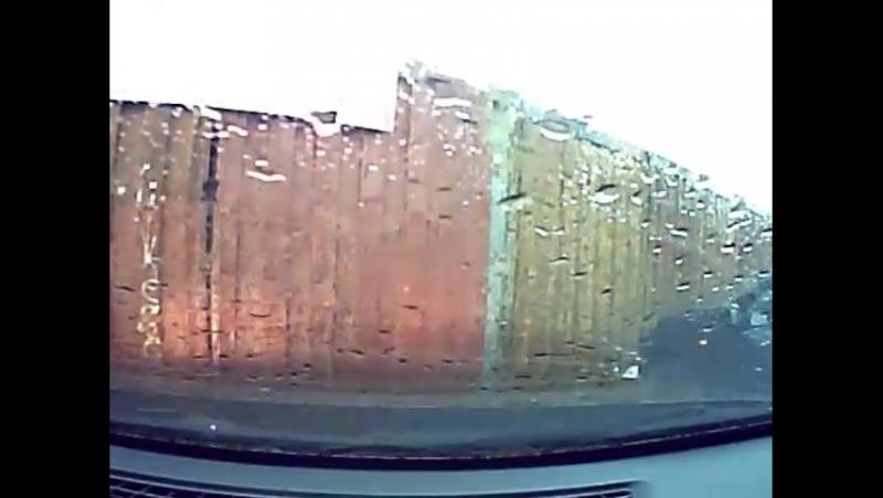 Падение козырька из шифера на автомобиль