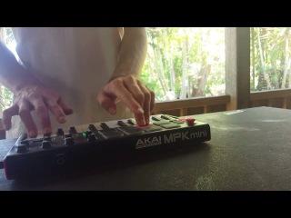 Finger Drumming - AKAI MPK mini mkII