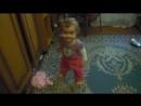 Наша скромная девочка танцует