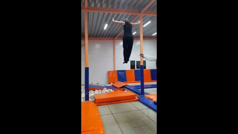 Прыжок в высоту 2.35 м.- Золотарева Татьяна (женщины старше 18 лет).