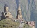 Храм Святой Троицы и гора Казбек