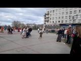 г.Ломоносов танцевальный флешмоб 2017 г. 6 мая