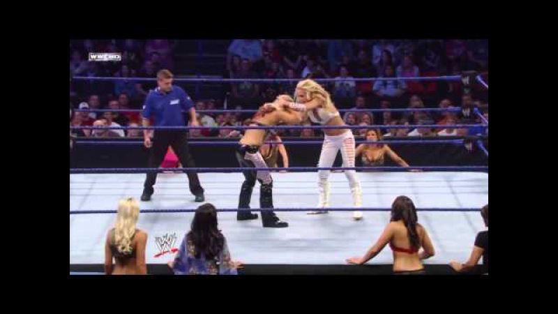 Michelle McCool vs Beth Phoenix -SmackDown 10/03/2