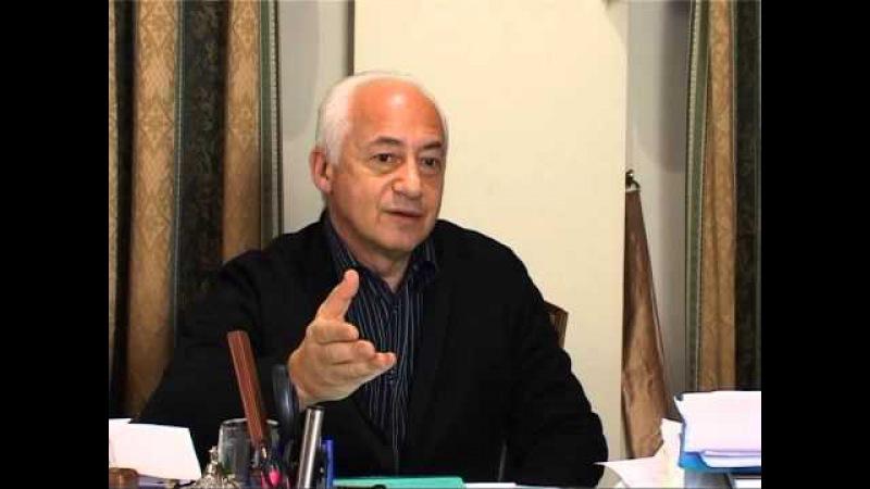 Выдающемуся композитору современности Алемдару Караманову посвящается.