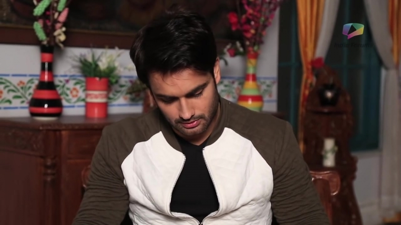 Gift segment of Vivian Dsena where he received token of love by his fans