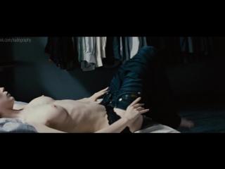 Нора фон Вальдштеттен (Nora von Waldstätten) голая в фильме