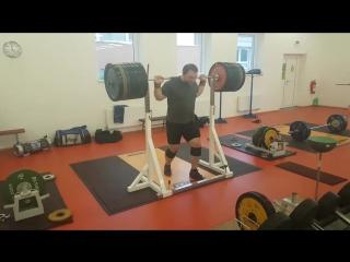 Иржи Орсаг - присед 320 кг (127 кг)