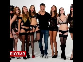 nalozhnitsa-v-seks-konchaet-pishnogrudoy-devke-na-litso