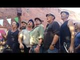 Австралийский хор Dustyesky поет русские песни