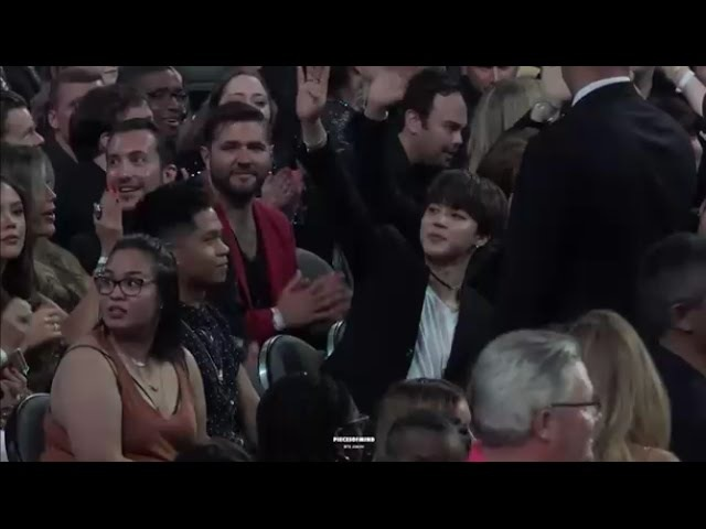 Audience's Reaction When Armys Screaming BTS BBMA 2017 [Full HD]