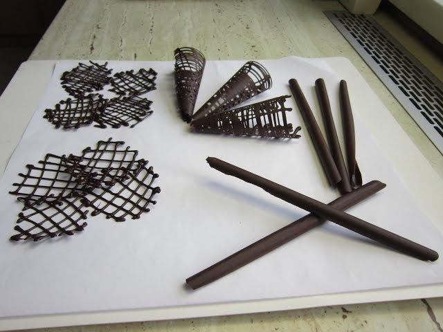 Ako pripraviť čokoládové ozdoby na tortu? Chocolate decoration. 3 časť