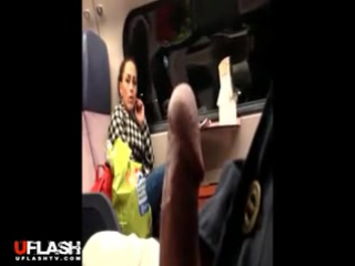 Нарезки дрочат в поезде 4