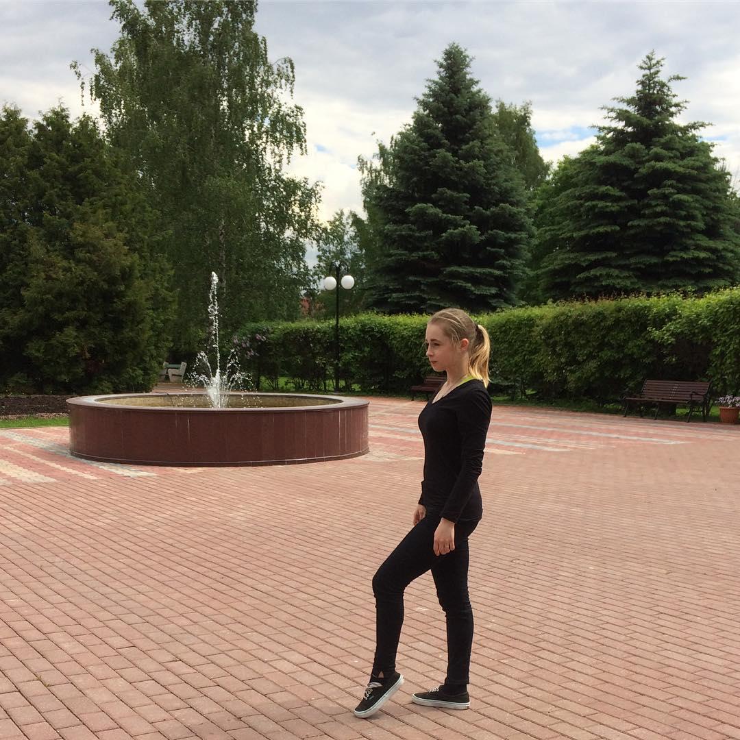 Дарья Паненкова - Страница 3 _MYr4B2PR0U