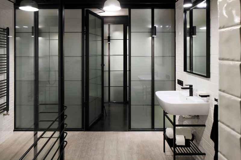 Квартира с темным декором
