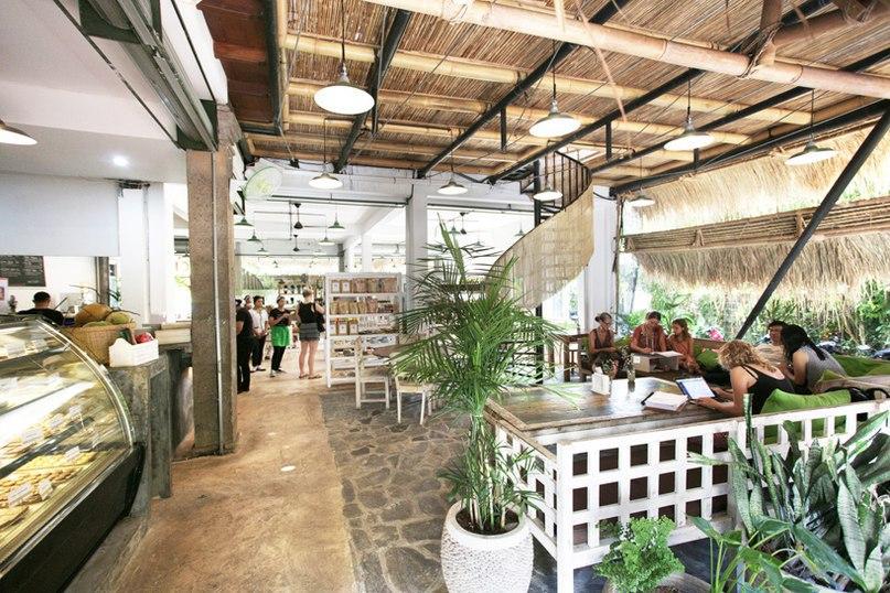alexis dornier crafts vegan restaurant in bali