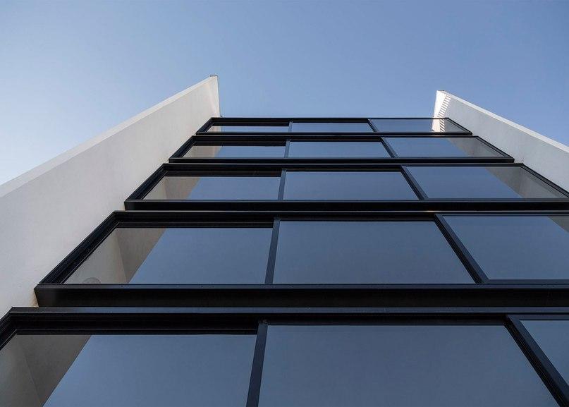 Brazilian apartment block by Arquitetura Nacional features
