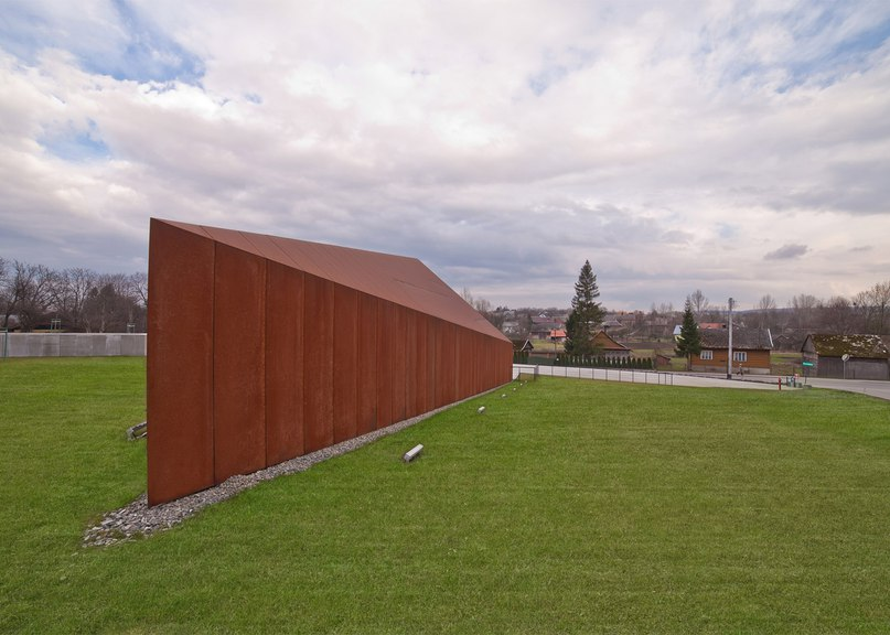 Nizio Design commemorates the Holocaust with angular