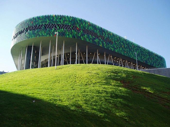 Открытая в 2010 году многофункциональная спортивная арена
