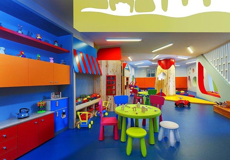 Детский сад Bobiroupoli расположен в городе Ираклион,