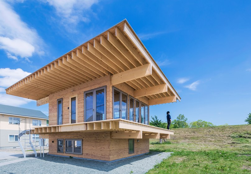 jun igarashi tops japanese residence with an