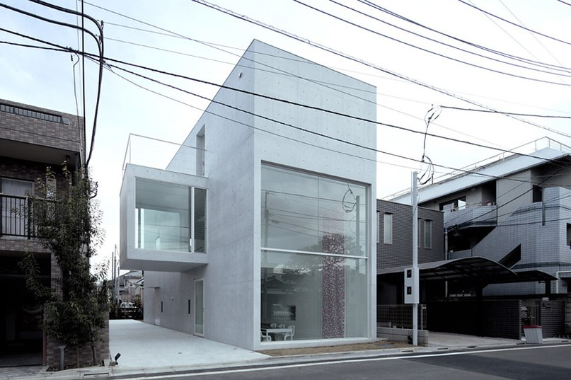 cantilevered volume extrudes from junichi sampei