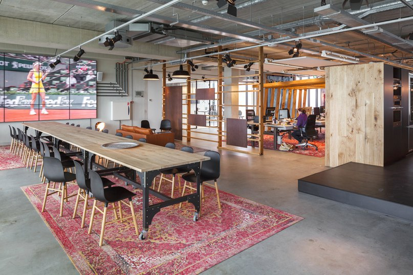 В Амстердаме бюро DZAP трансформировало здание сарая