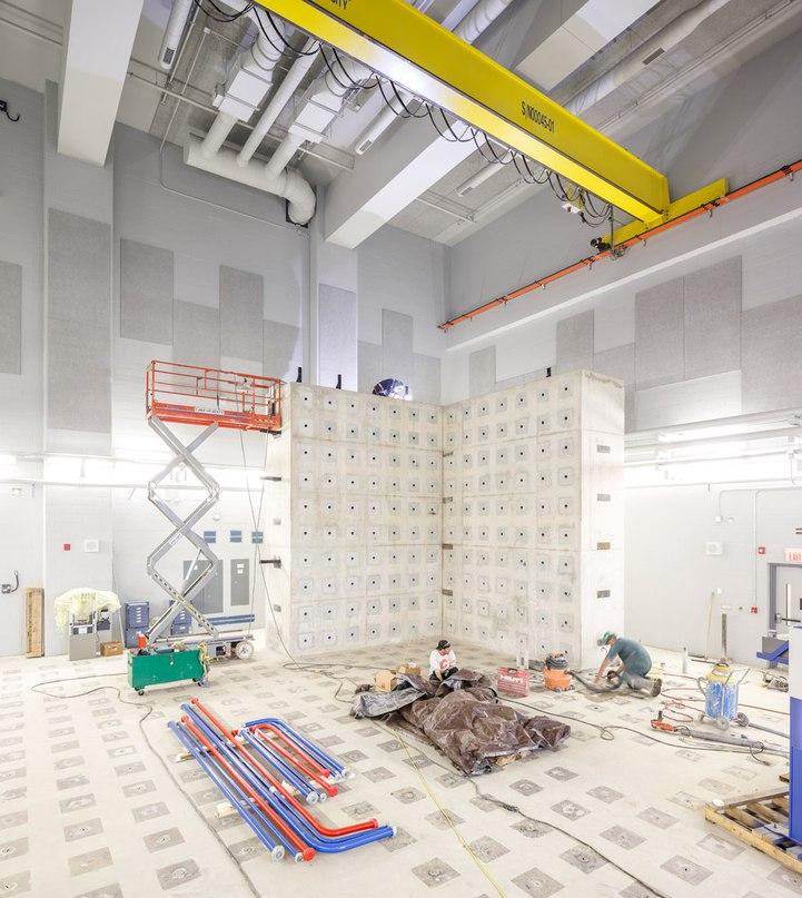 ZAS wraps a Toronto engineering school in