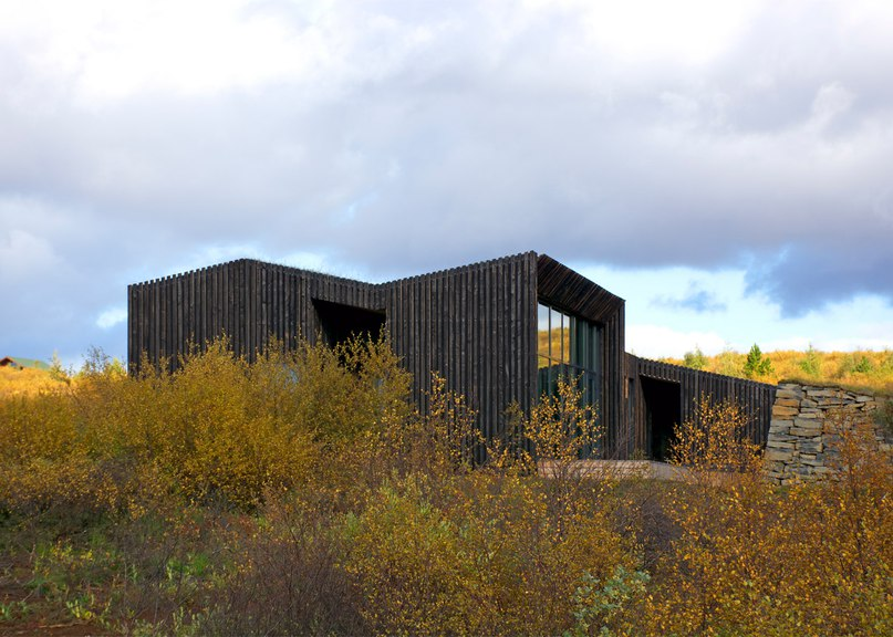 Rural Icelandic cottages by PK Arkitektar have