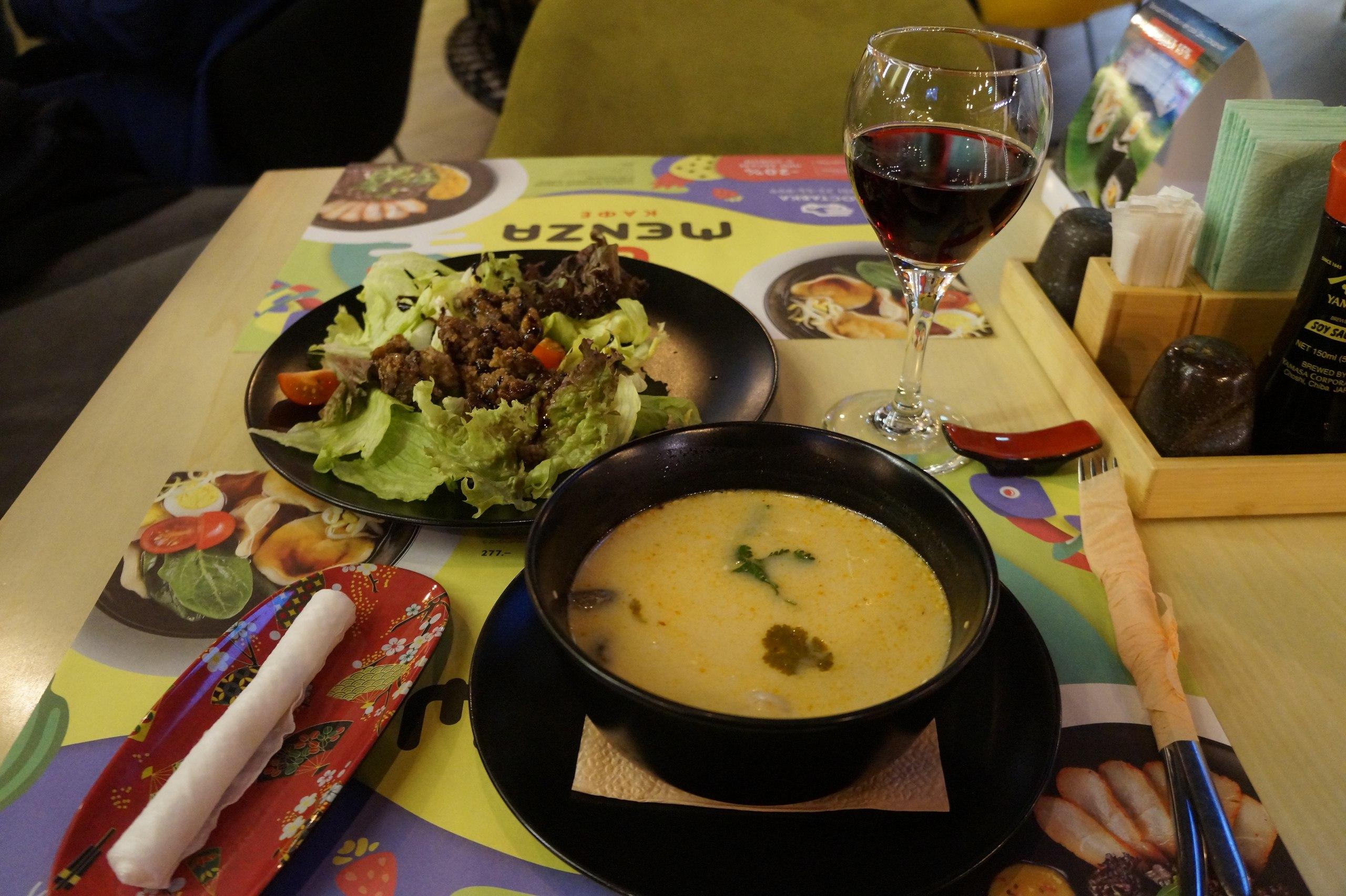 Обеды в ресторанах, где готовят лучший Том Ям