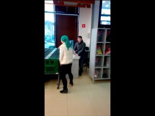 Интриган в магазине