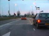 Вот так надо уходить со светофора!