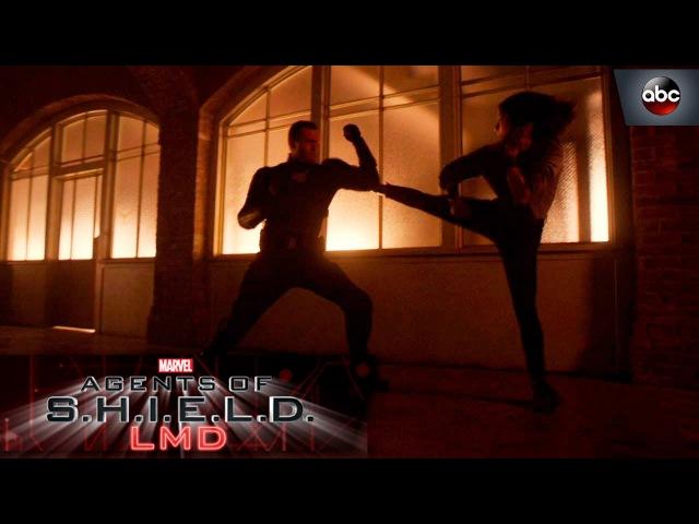 Kick@$$ Move of the Week: Quake vs. Mace's LMD - Marvel's Agents of S.H.I.E.L.D. 4x15