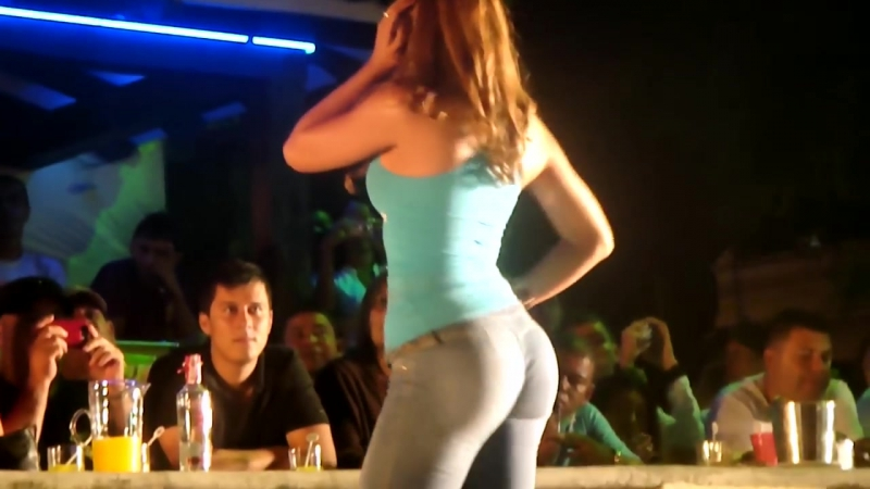 Latina model Jeans fashion parade
