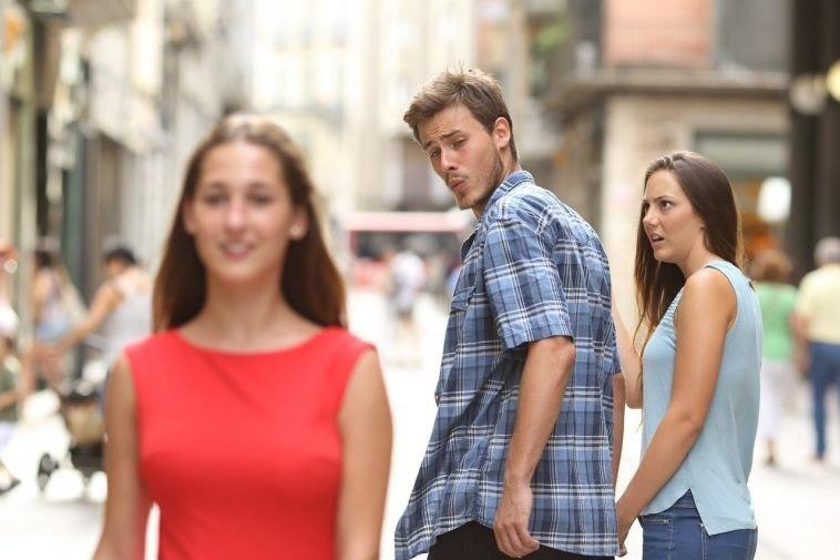 Потому что у меня лапки и другие мемы 2017 года