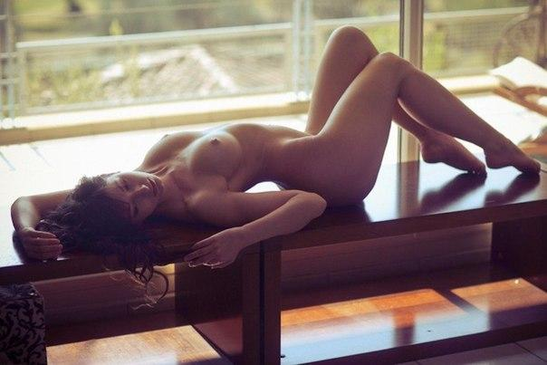 Picture nude woman hung and stretched