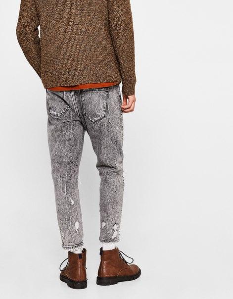 Укороченные джинсы облегающего кроя с разрывами