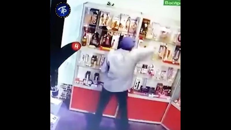 Резиновый вор из Выборга похитил фаллоимитаторы из секс-шопа