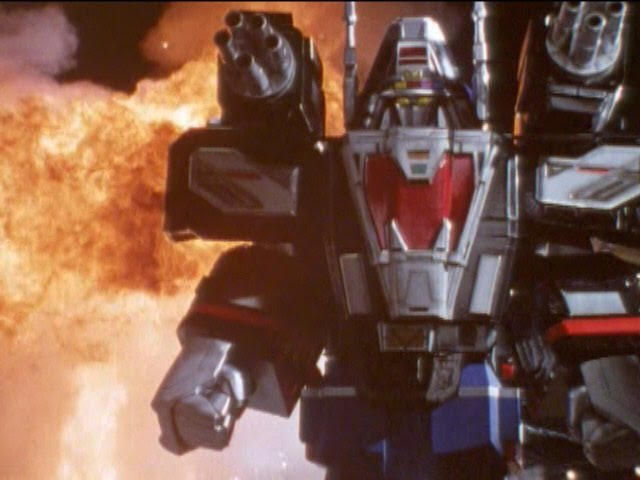 Astro Delta Megazord First Fight (Power Rangers in Space) - Debut