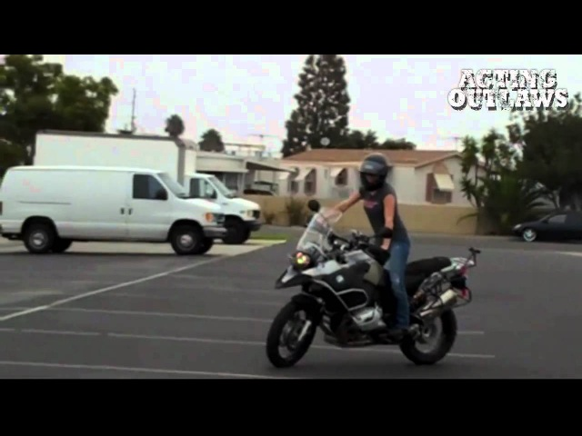 ACTING OUTLAWS - Tricia Helfer and Katee Sackhoff Testing and Training for The LA La Ride