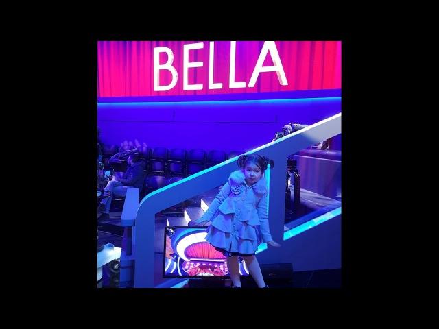 Белла на итальянском ТВ в 4 г 5м/Bella on Italian TV at 4y 5m