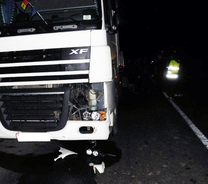 На трассе «Ростов-Таганрог» фура DAF насмерть сбила неизвестного пешехода