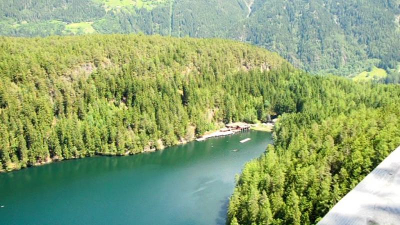 Горное озеро в долине Эцталь