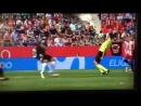 Испанский судья уклонился от футбольного мяча в стиле Матрицы