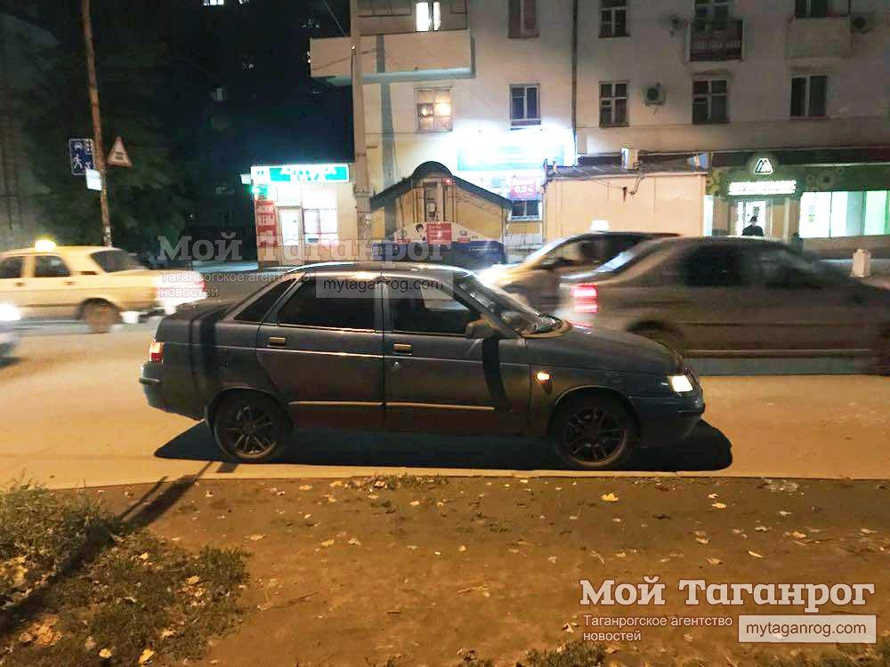В Таганроге «ВАЗ-2110» сбил 16-летнюю девочку, переходившую дорогу в неустановленном месте