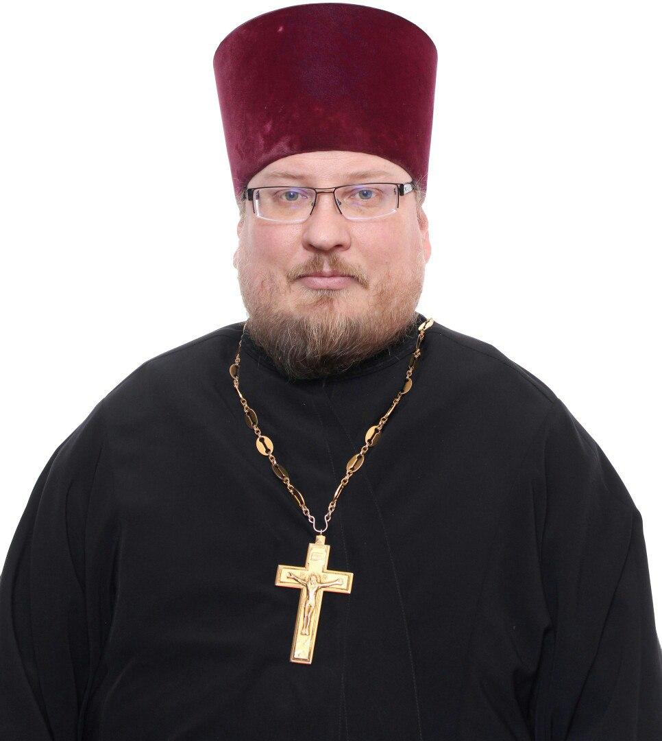 священник Донской церкви в Перловке протоиерей Олег Смольников