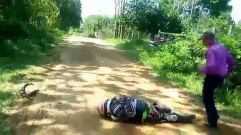 YOU CAN PINPOINT THE EXACT MOMENT THIS ATV RIDER DIES