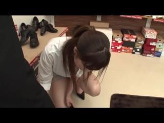 Wakatsuki mizuna, aoyama hana, tsukimiya koharu - обувной магазин поцелуй